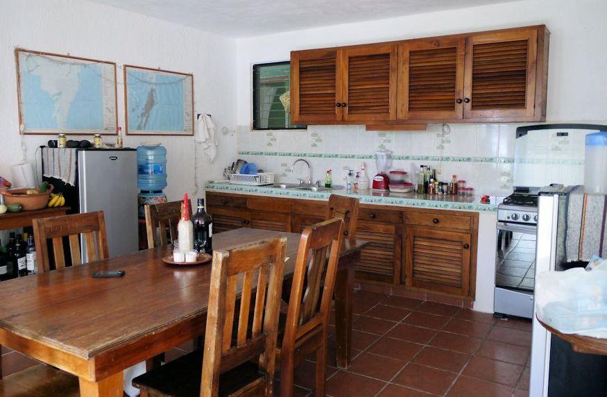 Casa de Suenos shared kitchen