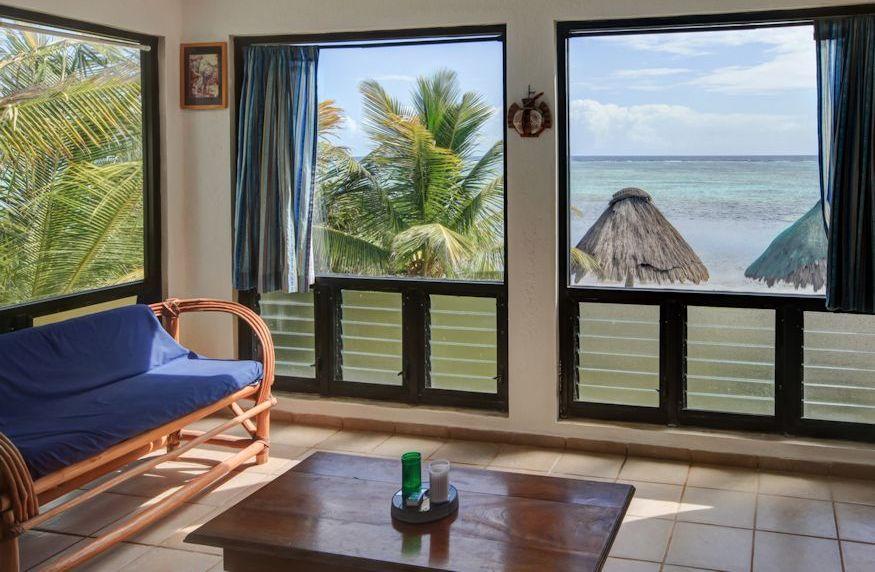 Casa de Suenos - two bedroom living area with ocean view
