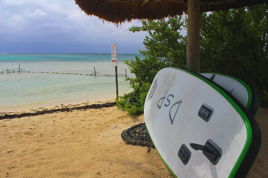 Acocote Inflatable SUP by sea