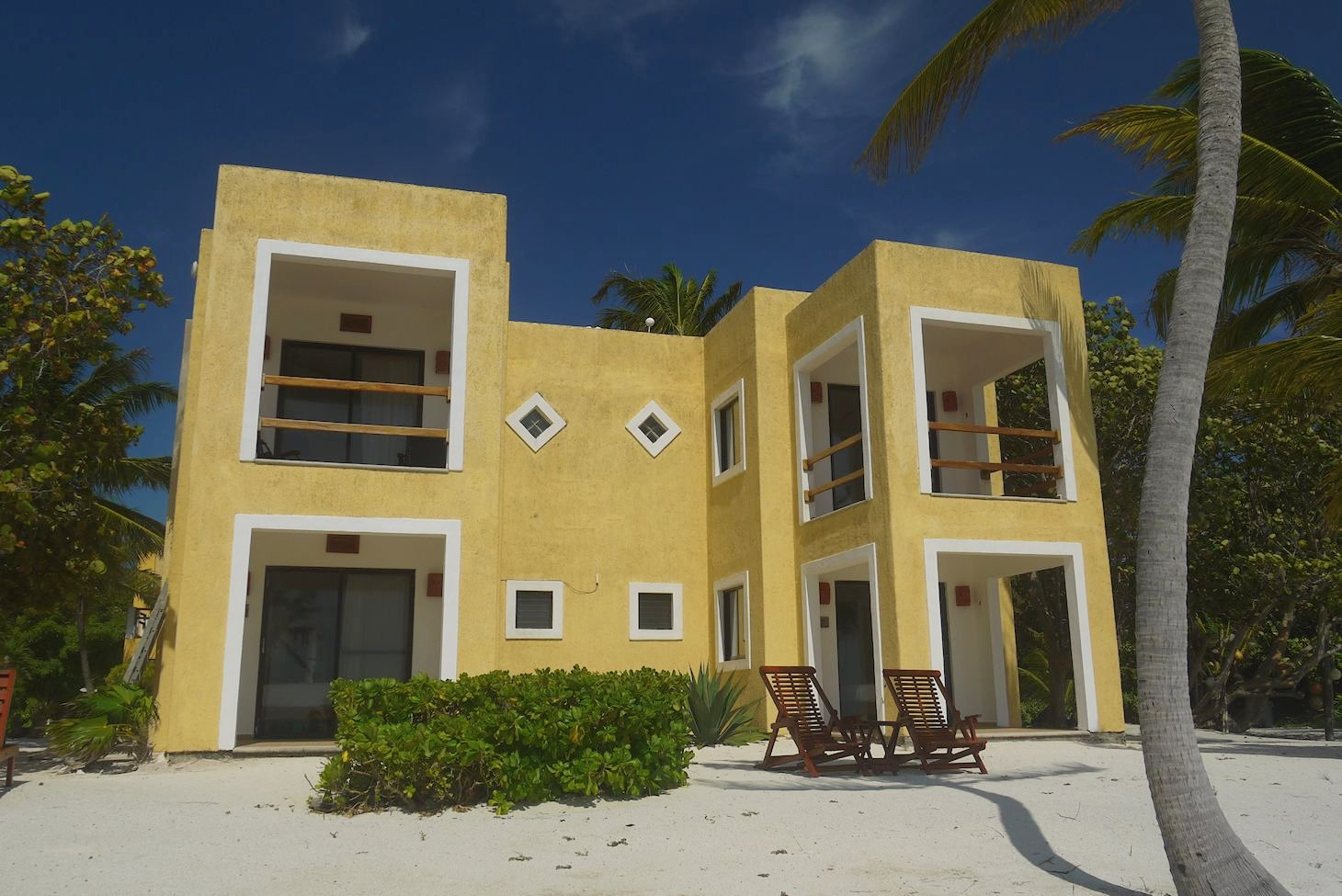 Featured Image of Casa Paraiso