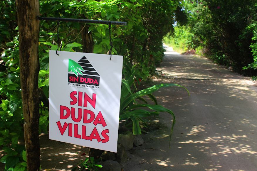 Sin Duda Villas Sign