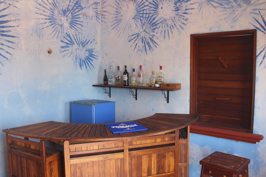 Self serve bar room